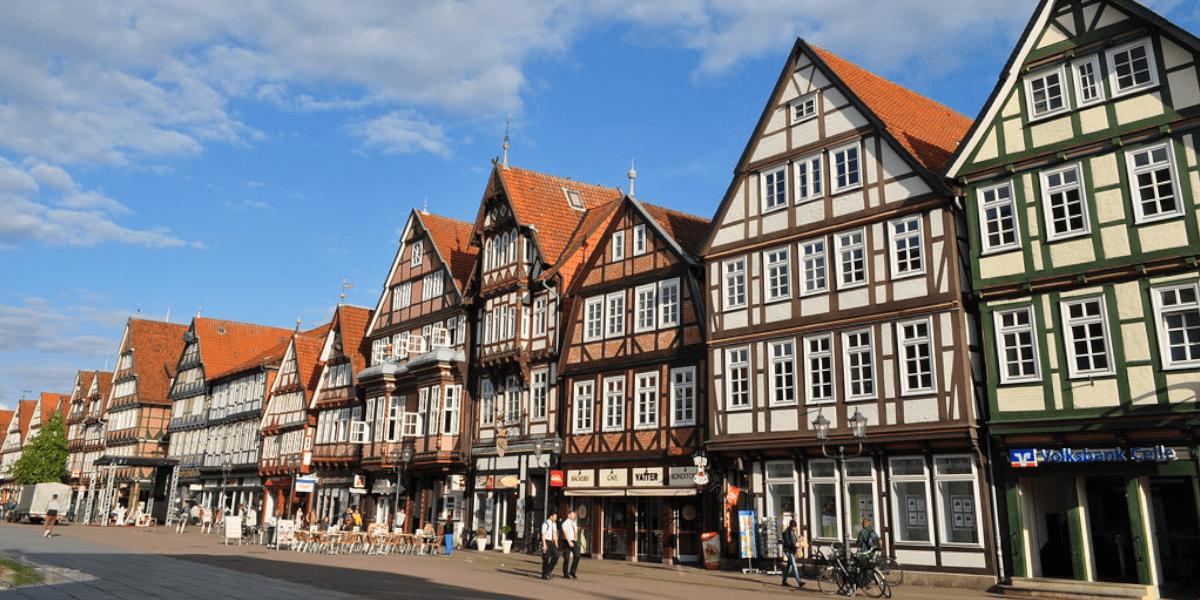 Shops, Einkaufszentren, Einkaufsstraßen & Einkaufslagen