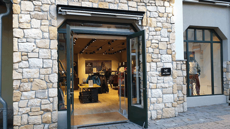 ARC'TERYX Pop-up Store im Wertheim Village Outlet
