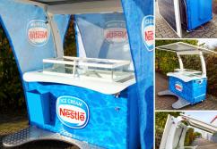 Verkaufsstand, Verkaufstheke: Eisstand mit Eigenstromerzeugung